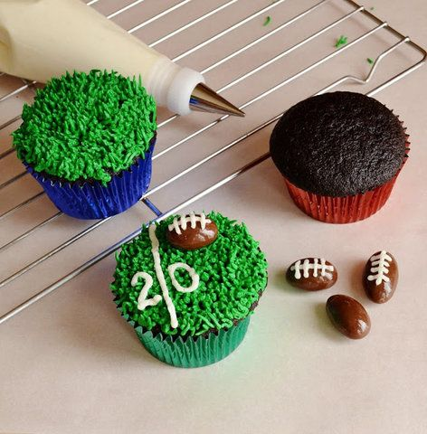 Football cupcake field & ball